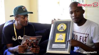eMtee presents zkhiphani with a platinum plaque