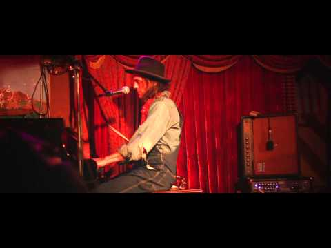 """Raven's Song"" by Aaron Embry Live at The Speakeasy"