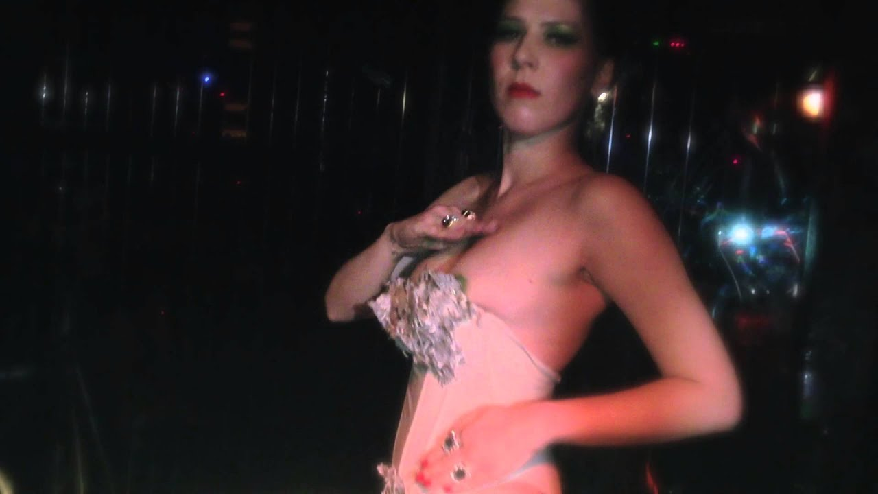 Lisa dances i like london in the rain hotel costes version - 2 part 8