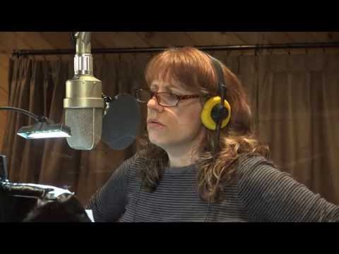 Chicago jazz singer Elaine Dame singing