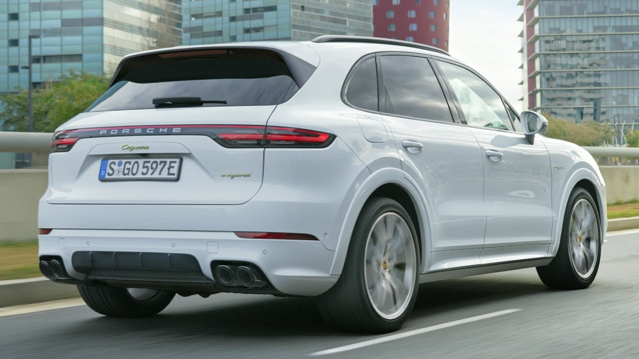 2019 Porsche Cayenne E Hybrid Plugs In And Boosts Performance