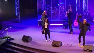 """Singing """"Victory belongs to Jesus"""" with Todd Dulaney in London!!!"""