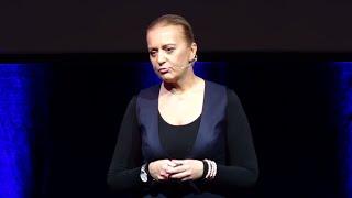 Jak odnieść sukces bez pewności siebie? | Magdalena Malicka | TEDxPiotrkowskaStreet