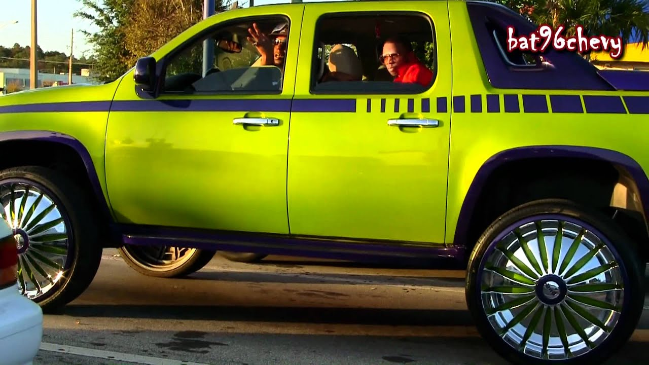 Green Purple Chevy Avalanche On 30 Quot Dub Zveet Floaters