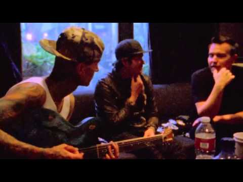 Blink-182 : Dogs Eating Dogs - Album 2012 Trailer [HD]