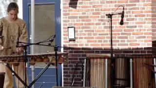 Djemgirl Danique - balafoon- own composition