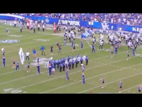 Jared Lorenzen, Jeremy Jarmon, Artose Pinner Lead 4th Quarter Cheer at Kentucky Football Game