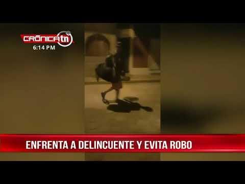 """Al grito de """"Sanamambiche"""" mujer enfrenta a ladrón en Corinto - Nicaragua"""