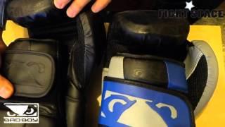 Видеообзор на перчатки боксерские Bad Boy Legacy Boxing Gloves