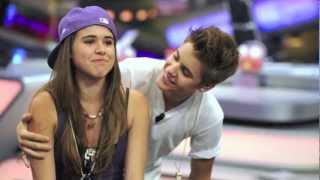 Repeat youtube video Justin & Beliebers [AATW Tour 2012]