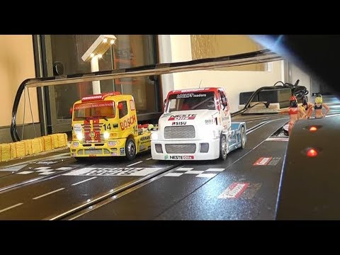 Mercedes Atego vs Sisu SL – One Battle – 25 Runden – Carrera Bahn Digital Slot 1:32 1:24