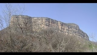 Ruta para admirar los farallones del cerro colorado