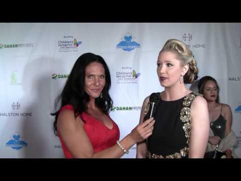 Traci Lynn Cowan with Actress Kristen Renton at Dreambuilder's Event.