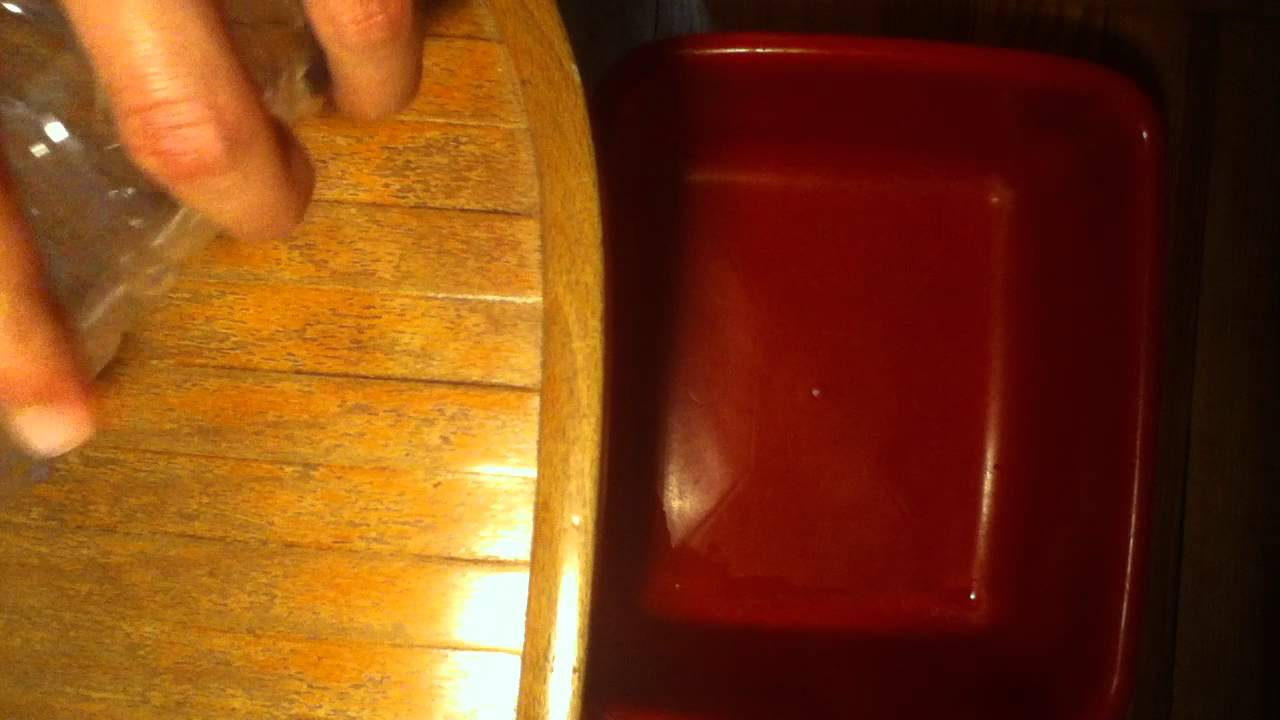 Fabriquer un pi ge souris rongeurs ind sirables youtube for Attraper souris maison