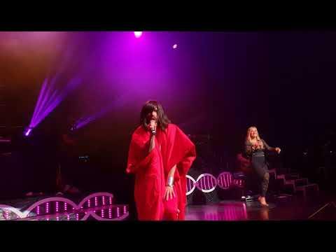 Anastacia & Conchita Wurst - I'm outta Love (Wien, 03.05.2018)