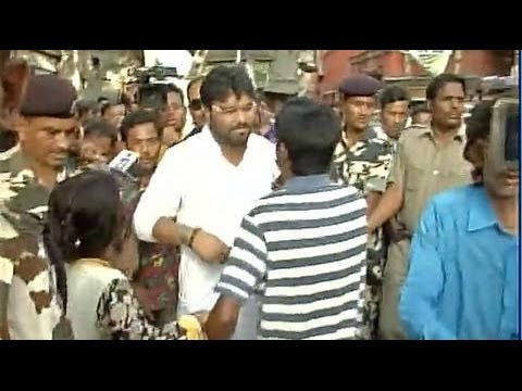BJP MP Babul Supriyo Heckled By TMC Supporters