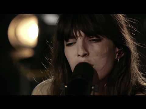 Lou Doillon ICU Live [HD]