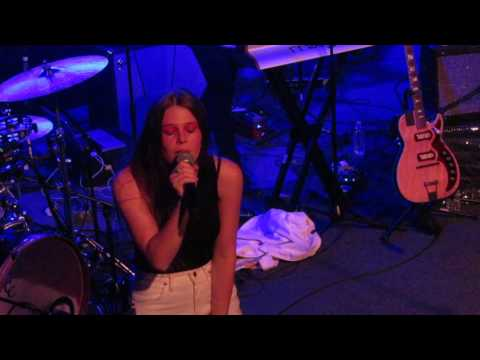 """Maggie Rogers - """"Say It"""" (Live In Cambridge)"""
