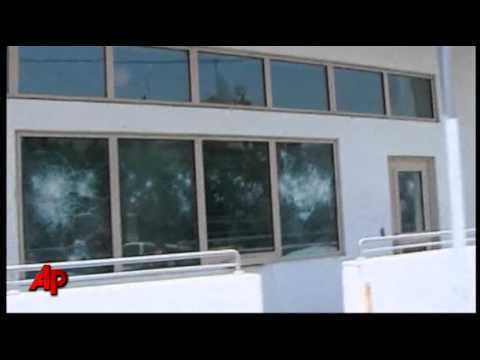 Raw Video: Syrian Protesters Attack US Embassy