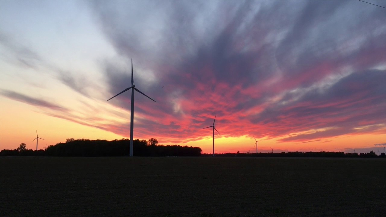 Michigan's wind energy farms whip up plenty of praise and
