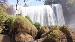 Слоновый водопад, Далат, Вьетнам. Elephant waterfall, Da Lat, Vietnam