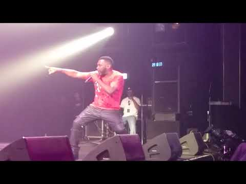 Old school rap. Big Daddy Kane's Warm it up Kane live.
