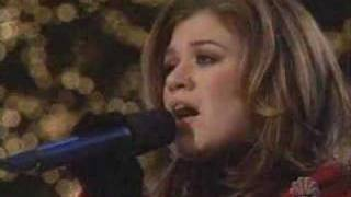 Watch Kelly Clarkson Oh Holy Night video