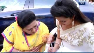 Divyanka teaches Mrs Bhalla how to make swastik