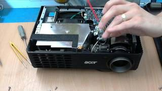 How to clean an Acer X110P projector colour wheel.