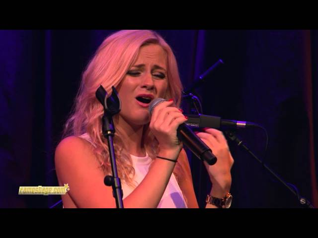 "Zoe Louise LIVE , cover ""Clown"" Londons Hippodrome"