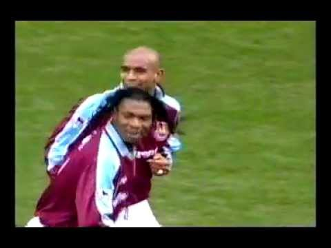 Trevor Sinclair Goal - West Ham v Clarlton 26th Dec 2000