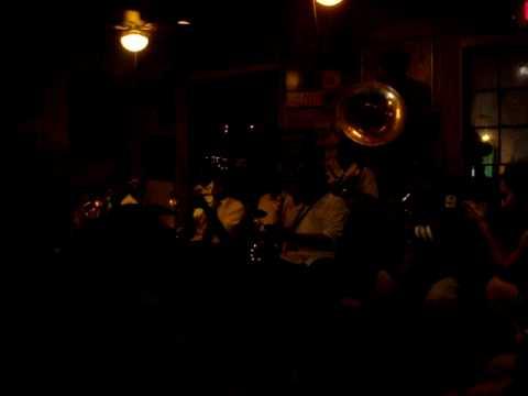 Survivors Brass Band på Preservation Hall II