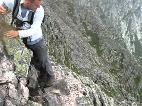 Traversing Knife Edge, Mount Katahdin.flv