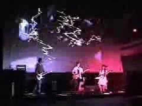 hartfield live at Popnoise Fest 2005
