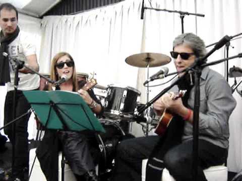Euge Barker y Gustavo Di Bella - Hey Soul Sister