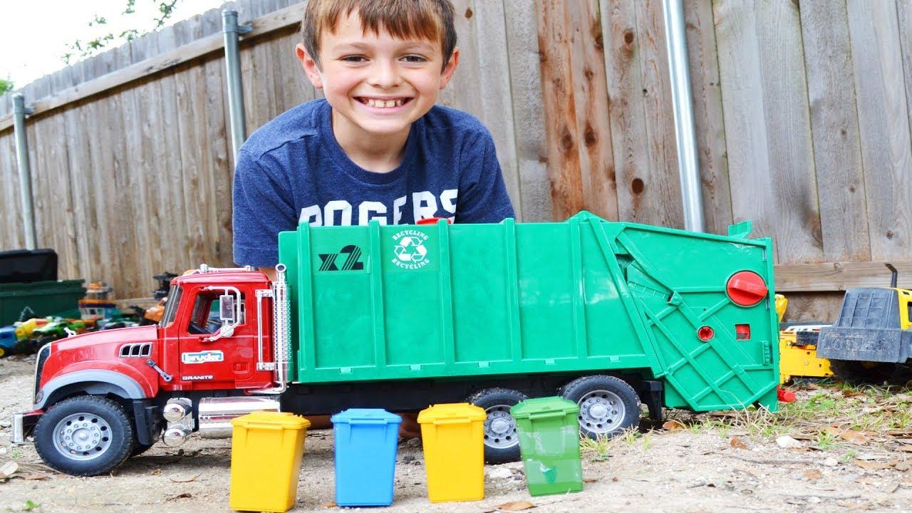 Garbage Truck Videos For Children L Backyard Garbage Pick