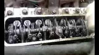moteur de 4L sans cache culbuteur....
