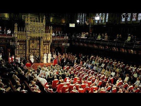 Discorso della regina elisabetta ii al parlamento for Lavorare al parlamento italiano