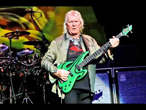Yes bassist Chris Squire interview with Honolulu, Hawaii radio host Dave Lawrence