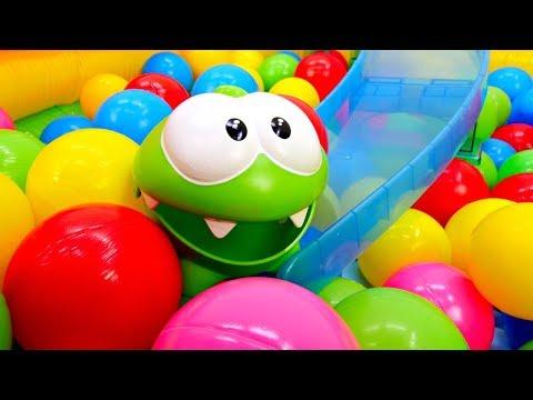 Ам Ням и Шарики - Игры для детей - Сухой бассейн с шариками