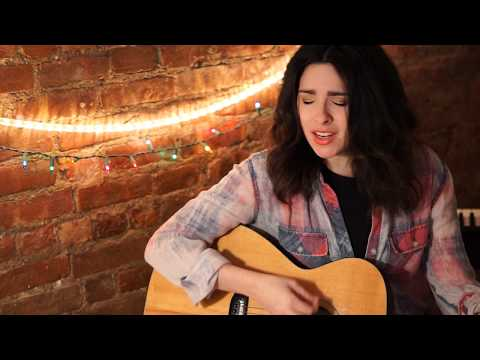 Marina Laurendi-OURS (Apartment Session)