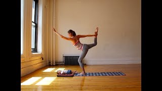 10 Minute Yoga for Balance with the Baby Routine