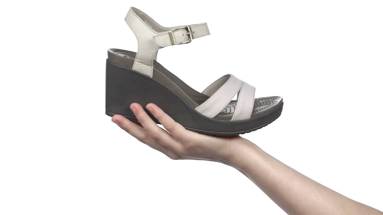 35107cd3b3f Crocs Leigh II Ankle Strap Wedge szandal - YouTube