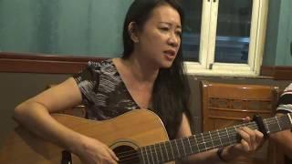 2 học trò thể hiện sau 1 năm tập đàn guitar