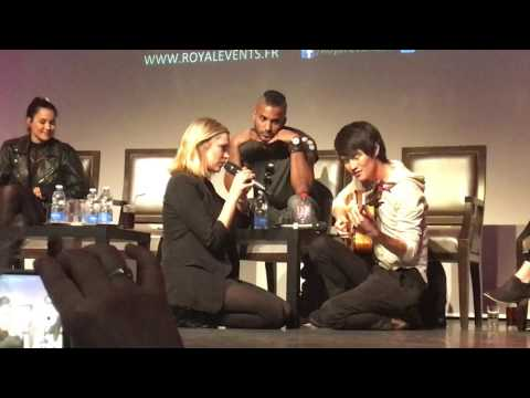 Eliza Taylor and Christopher Larkin singing during the panel WAG 2