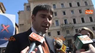 DI BATTISTA (M5S): REFERENDUM UNICO STRUMENTO DEMOCRATICO NELLA DITTATURA RENZIANA thumbnail