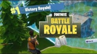"""FORTNITE BATTLE ROYALE: GETTING THE SQUAD """"W"""""""