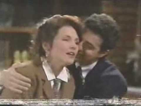 Frankie & Cass 1992Frankie Resolves to Find Out What's Going on With Christy