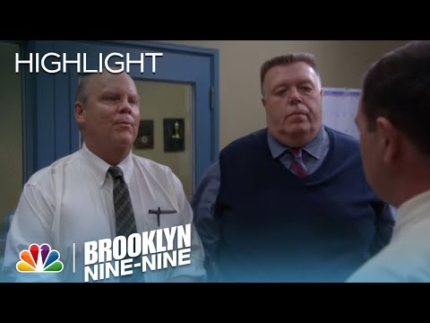 Brooklyn Nine-Nine - Hitchcock And Scully Investigate The Secret Bathroom (Episode Highlight)
