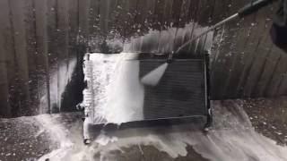 Мойка радиатора Ленд Ровер / Рендж Ровер(Промывка радиатора ДВС Land Rover / Range Rover / Range Rover Sport / Freelander 2 в сервисе Ленд Ровер (Москва). Удаление грязи (пуха,..., 2016-06-01T16:08:17.000Z)